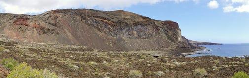As rochas coloridas no litoral do EL Hierro perto de Tacoron Ilhas Canárias spain imagem de stock