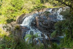 As rochas panorâmicos Baker's da cachoeira caem em Horton Plains Natio Fotografia de Stock