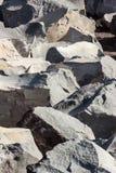As rochas vulcânicas em uma pedreira siciliano Imagens de Stock Royalty Free