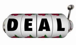 As rodas do slot machine do negócio fecham o contrato de venda Fotos de Stock Royalty Free