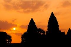 As ruínas antigas de um templo histórico do Khmer no compl do templo Fotografia de Stock Royalty Free