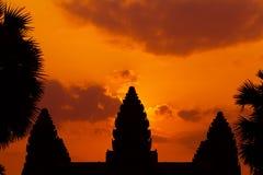 As ruínas antigas de um templo histórico do Khmer no compl do templo Fotos de Stock