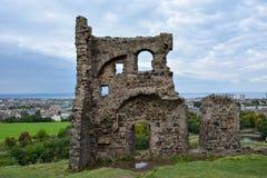 As ruínas da capela do ` s de St Anthony em Hollyrood estacionam perto de Edimburgo imagens de stock