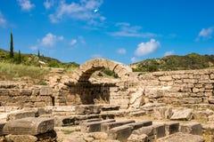 As ruínas da cidade do grego clássico da Olympia, enterance ao Estádio Olímpico imagens de stock