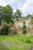 As ruínas de um castelo antigo Fotografia de Stock Royalty Free