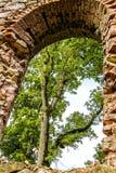 As ruínas de uma igreja velha Imagens de Stock