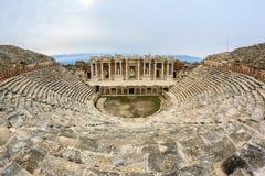 As ruínas do teatro na cidade romana de Hierapolis Foto de Stock Royalty Free