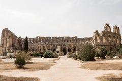 As ruínas impressionantes do colosseum o maior no Norte de África, EL Jem, Tunísia foto de stock