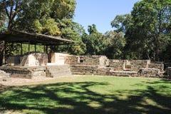 As ruínas maias de Las Sepulturas perto de Copan Imagens de Stock