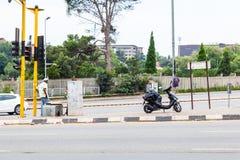 As ruas de Joanesburgo, em uma interseção Imagens de Stock