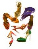As sandálias formam a composição imóvel da vida Imagens de Stock