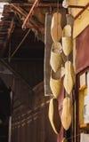 As sapatas tradicionais de Marrocos fizeram da sagacidade do couro e do pano Imagens de Stock Royalty Free