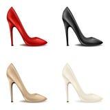 As sapatas vermelhas de mulheres elegantes no grupo alto-colocado saltos brilhante de sapatas clássicas fêmeas com os saltos alto ilustração stock