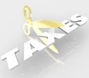 As tesouras que cortam a palavra dos impostos cortaram seus custos do imposto Imagem de Stock Royalty Free