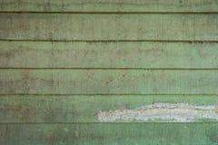 As texturas do fundo ou os pap?is de parede de madeira velhos colocaram o horizontal e claro - verde pintado no estilo retro imagens de stock royalty free