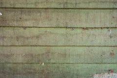 As texturas do fundo ou os pap?is de parede de madeira velhos colocaram o horizontal e claro - verde pintado no estilo retro foto de stock royalty free