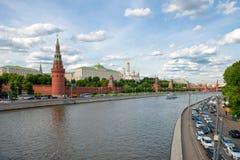 As torres e as paredes do Kremlin Imagens de Stock
