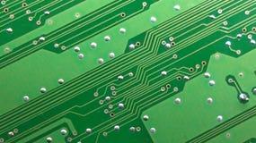 As trilhas da eletrônica da placa de circuito impresso fotografia de stock