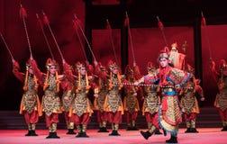 """as tropas divinas que descem água do ato do céu- da sexta transbordam o  branco de Opera""""Madame Snake†do monte-Kunqu dourado Fotos de Stock Royalty Free"""