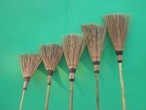 As vassouras da folha do coco Imagens de Stock Royalty Free
