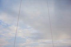 As venezianas, fecham-se acima da imagem como a textura do fundo, decoração da janela foto de stock royalty free