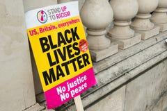 As vidas pretas importam/levantam-se a marcha de protesto do racismo Imagem de Stock