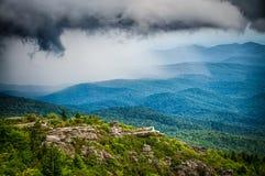 As vistas cênicos bonitas no cume North Carolina do rought negligenciam fotos de stock royalty free