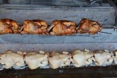 Asación del pollo Imagenes de archivo