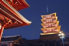 asakusa晚上寺庙 免版税库存照片
