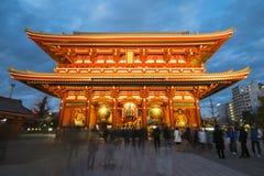 Asakusa - Japan, 20 Februari, 2016: Reuze rode lantaarn van Kamin Royalty-vrije Stock Afbeeldingen