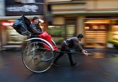 asakusa som är dragen rickshaw tokyo Arkivfoton