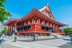 Asakusa Tokio Japonia, Czerwiec 9, -, 2018: Piękna sceniczna Asakusa świątynia w Sensoji świątynnym punkcie zwrotnym z dużym czer obrazy stock