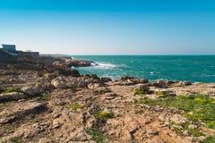 Asalte en la costa de Polignano una yegua Fotografía de archivo libre de regalías