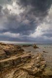 Asalte sobre el mar adriático, con el cloudscape dramático hermoso Fotos de archivo