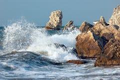 Asalto azul del mar fotografía de archivo libre de regalías