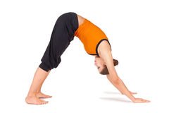 asana适合的实践的女子瑜伽年轻人 免版税库存照片