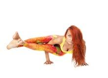 Asanas йоги девушки выполняя Стоковое Фото