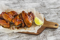Asas de galinha cozidas picantes Fotografia de Stock
