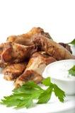 Asas de galinha em uma grade Fotos de Stock Royalty Free