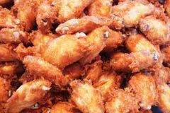 Asas de galinha fritada imagens de stock