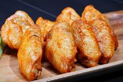 Asas de galinha grelhadas fotografia de stock royalty free