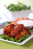 Asas de galinha picantes do estilo do búfalo Fotografia de Stock Royalty Free