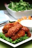 Asas de galinha picantes do estilo do búfalo Foto de Stock Royalty Free