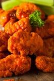 Asas de galinha sem ossos quentes e picantes do búfalo Imagens de Stock