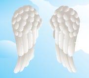 Asas do anjo com um fundo do céu Fotos de Stock Royalty Free