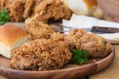 Asas e arroz de galinha fritada Fotos de Stock Royalty Free