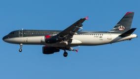 Asas reais de JY-AYI, Airbus A320-200 Foto de Stock