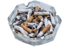 Asbakje met sigaretuiteinden Stock Afbeelding