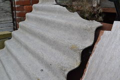 Asbest-Dachplatte Lizenzfreie Stockfotos