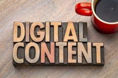 Asbtract da palavra de conteúdo digital no tipo de madeira Foto de Stock Royalty Free